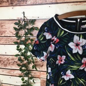 Hollister Dresses - Hollister Women's XS Flower T-shirt Boho Dress